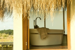 Dugong Beach Lodge - Bathroom - Outside In 1