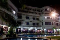 Hotel Cardoso Night pool view
