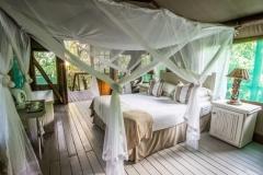 Luxury double-bed tent